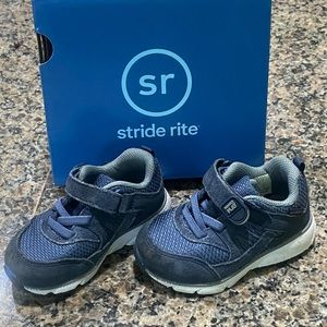 stride rite made2play ace sneaker Size 4.5W